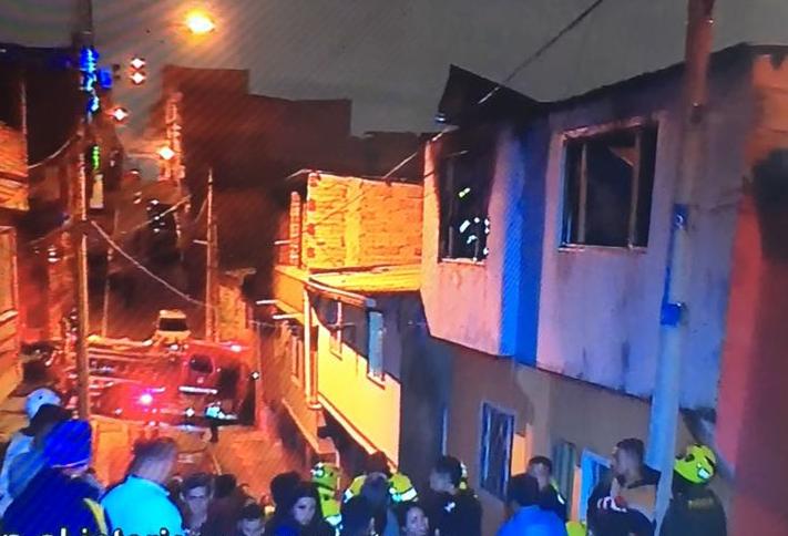 Un menor muerto y otro herido deja incendio al sur de Bogotá