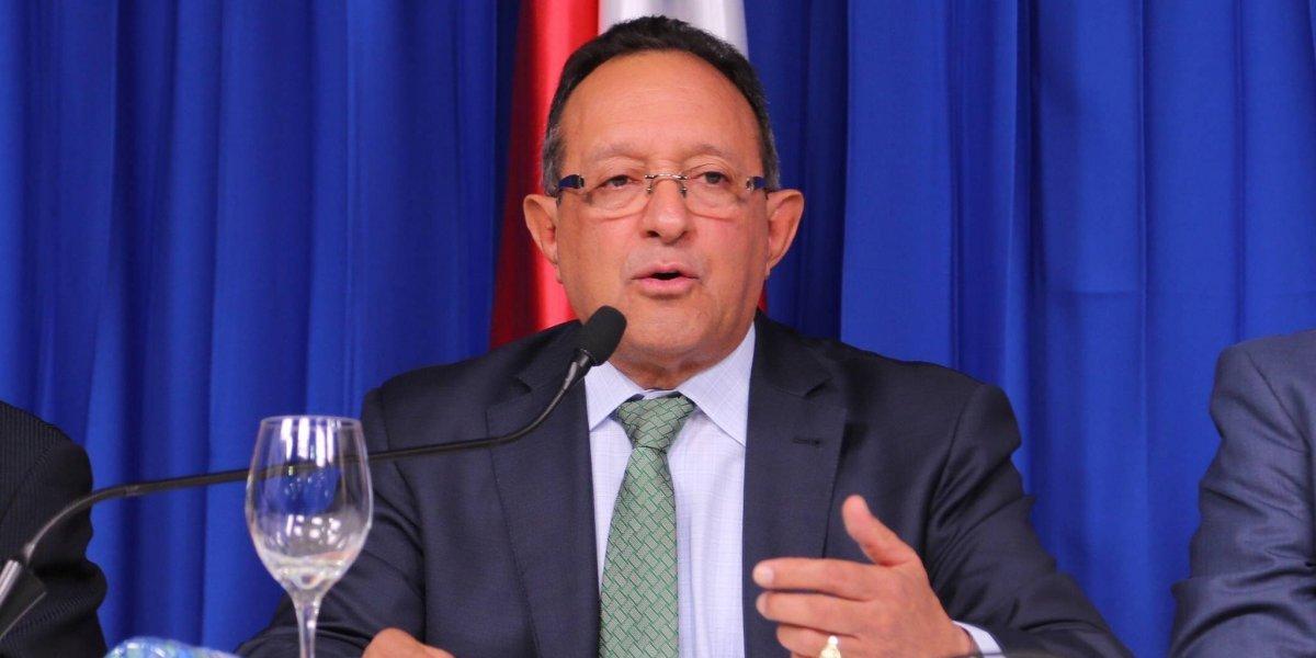 Ministro de Agricultura dice país contará con más de 85 millones libras de pollos para época navideña