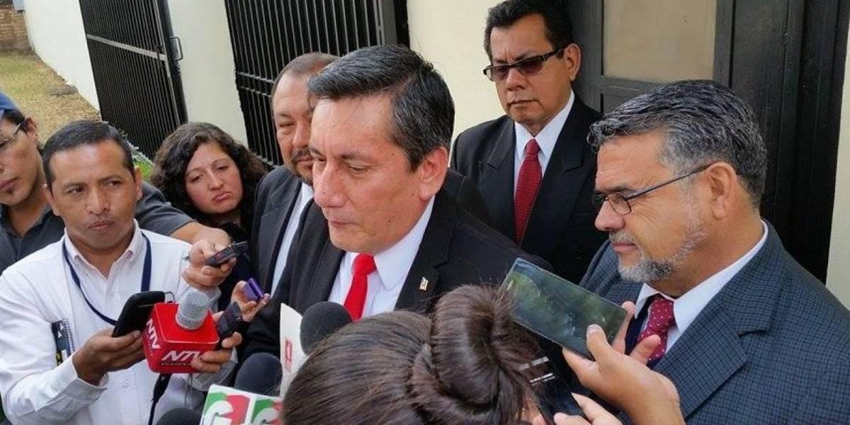 Jueza rechaza acción planteada por Villate y lo cita por sexta ocasión