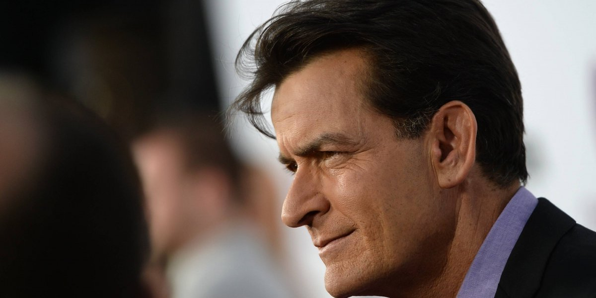 Charlie Sheen demanda a diario estadounidense que lo sindicó como abusador sexual