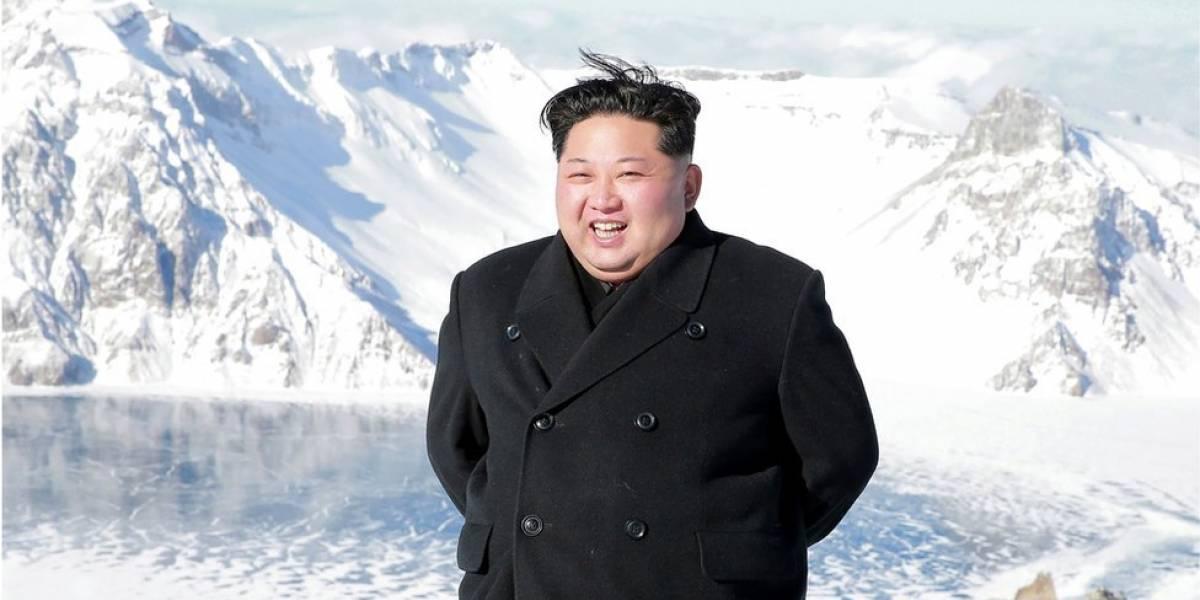 Kim Jong-un acude a concierto de K-pop y hasta se sacó fotos con los artistas