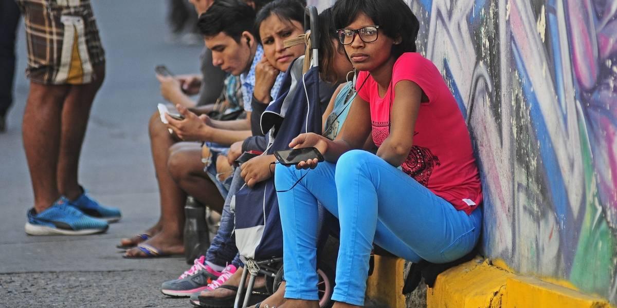 Sólo el 6% de los municipios en Chile cuentan con oficinas o actividades para migrantes