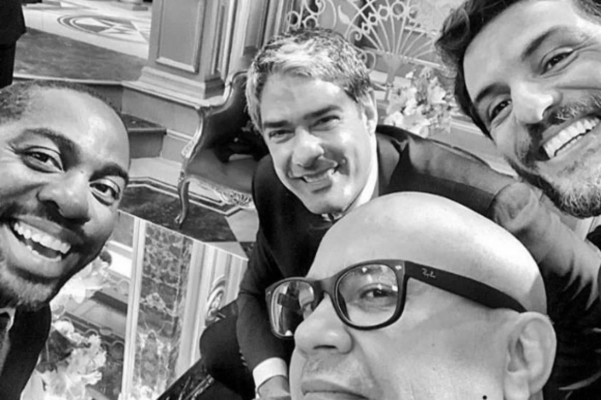 Com os caras: Lázaro Ramos, Rodrigo Lombardi e Welder Rodrigues, do Zorra Reprodução/Instagram