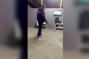 VIDEO: Aficionado rompe pantalla tras penal fallado de Avilés Hurtado