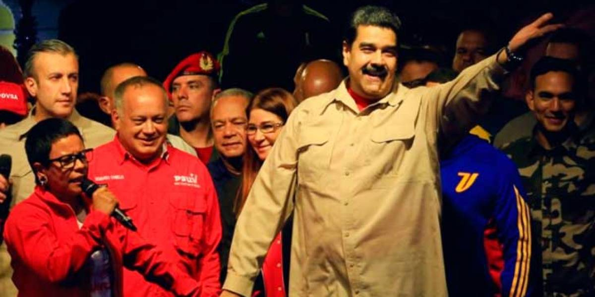 Chavismo arrasa en elecciones municipales boicoteadas por la oposición y Maduro amenaza con  impedir opositores en presidenciales