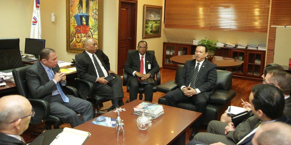 Presentan avances y fortalecimiento de la Contraloría General a delegaciones nacionales e internacionales