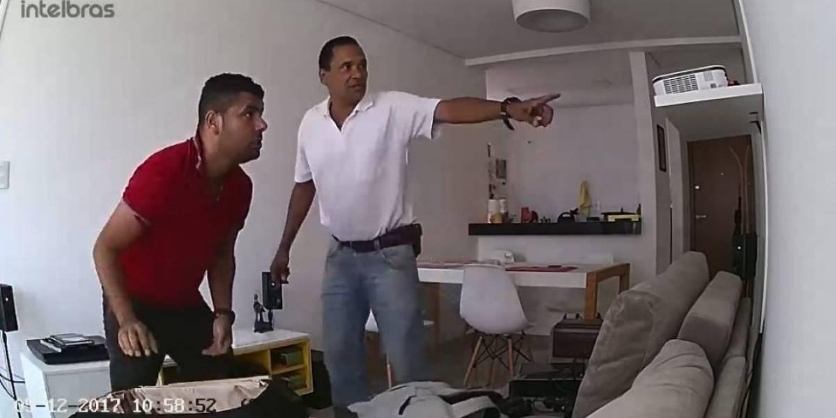Dupla assalta apartamento e é filmada por câmera de morador; assista