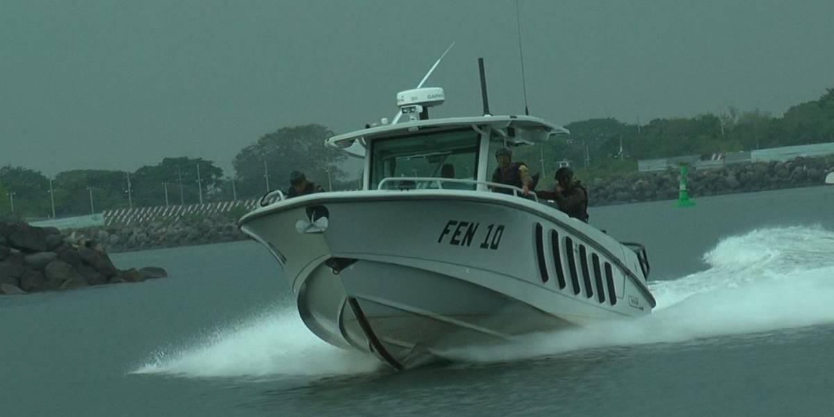 Interceptan lancha con posibles ilícitos en el Pacífico