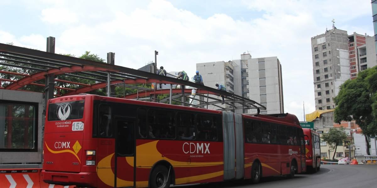 Metrobús interrumpe su servicio en Línea 6 por festejos en la Basílica