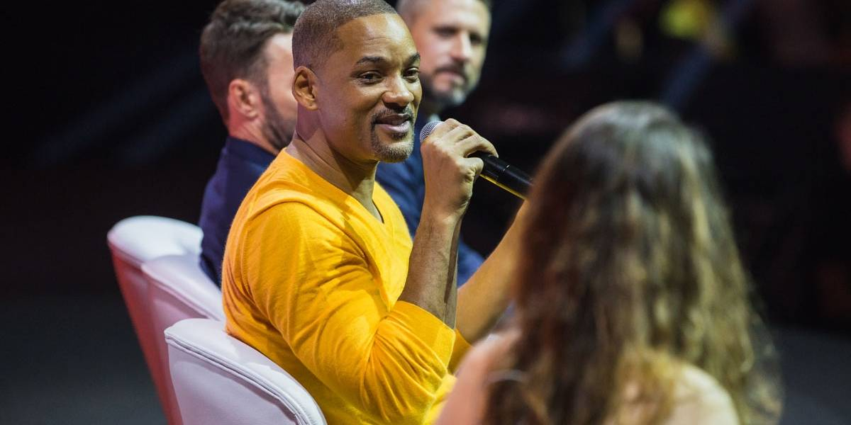 Will Smith transforma coletiva de imprensa em show de humor
