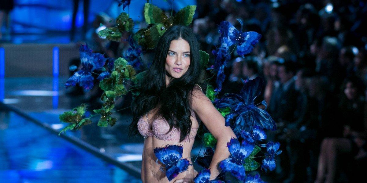 Adriana Lima está cansada de ser tan sexy y revela que no volverá a desnudarse