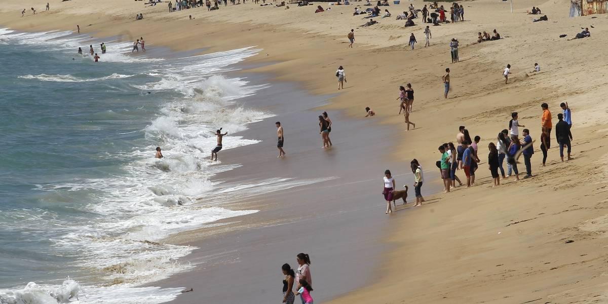 Con cerca de 120 playas aptas para el baño la Armada lanzó temporada 2017-2018