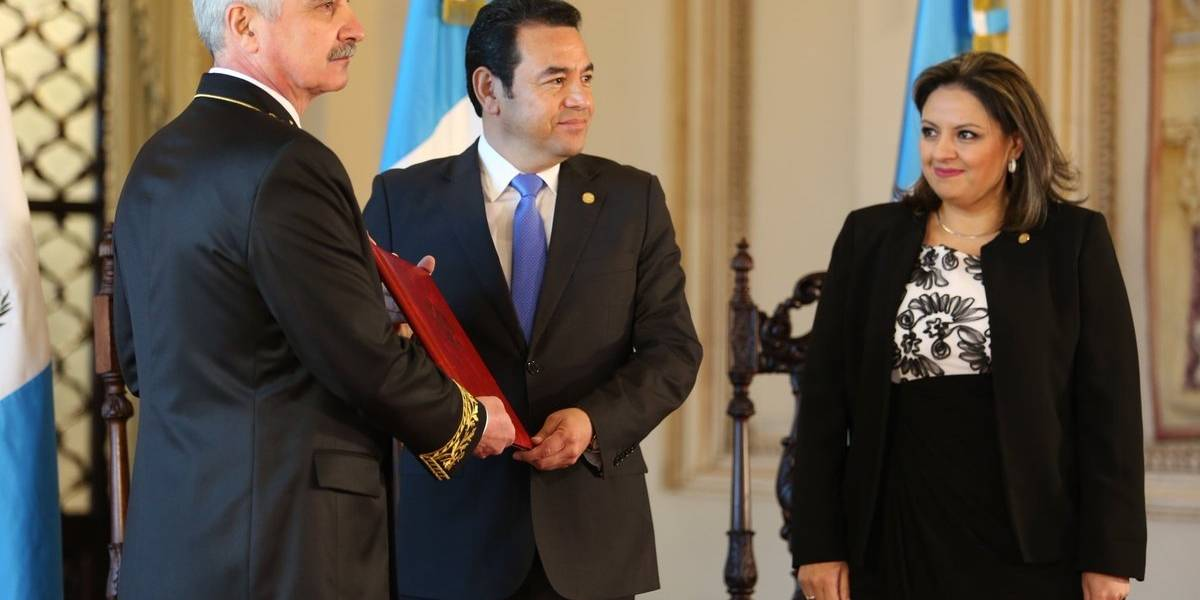 Seis embajadores le entregan sus cartas credenciales al presidente