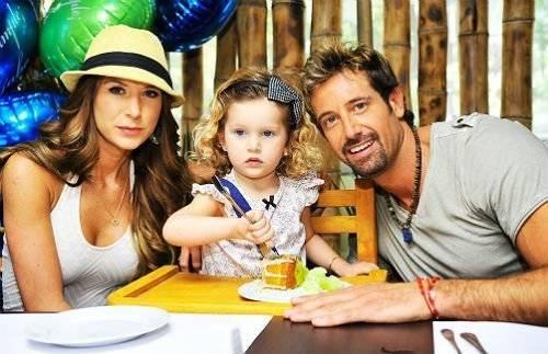 Geraldine, Gabriel y su hija