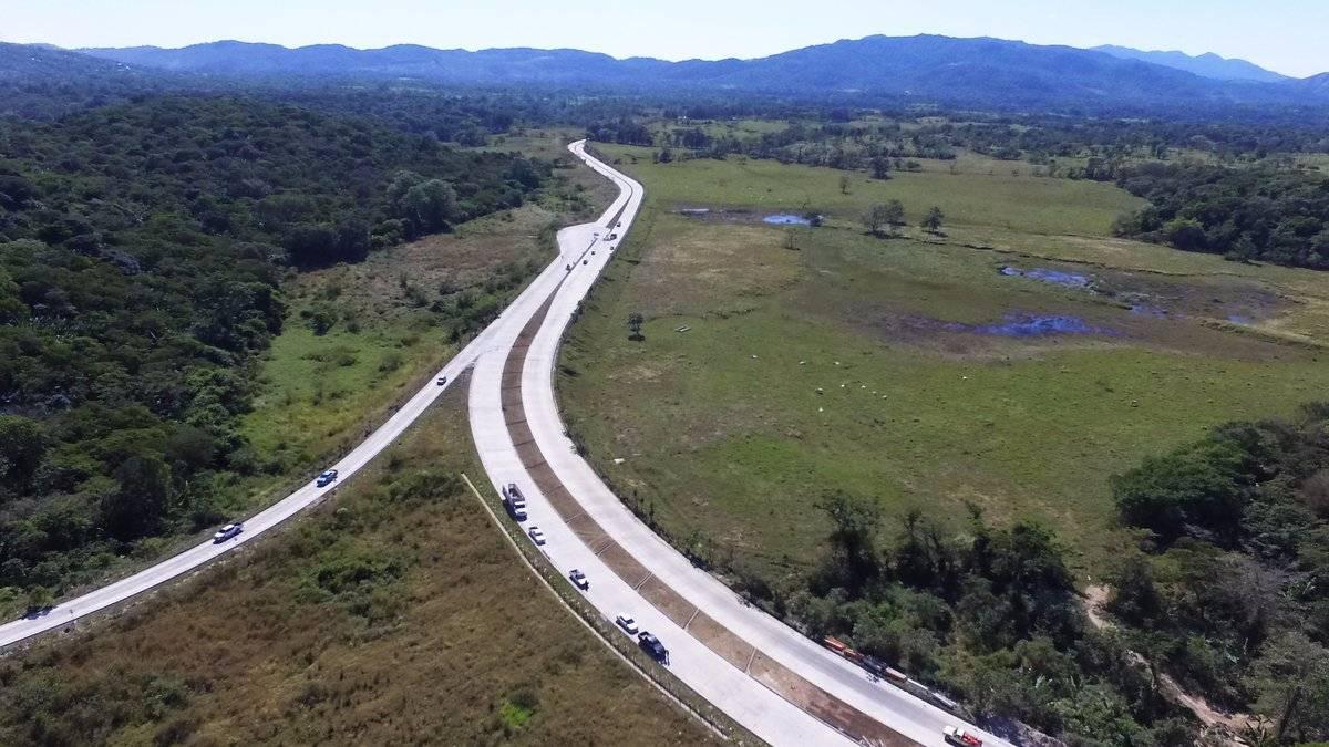 Inauguración de carretera en Santa Rosa