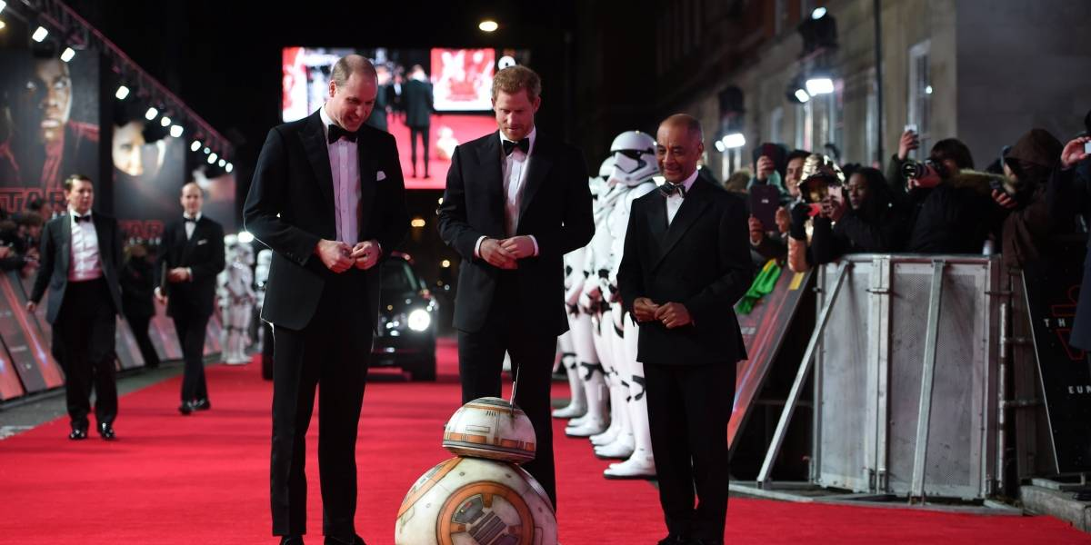 Príncipes William e Harry vão à première do filme Star Wars: Os Últimos Jedi
