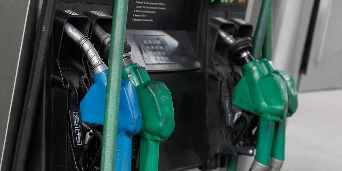 Para no comprar los regalos en auto: precio de las bencinas vuelve a subir este jueves