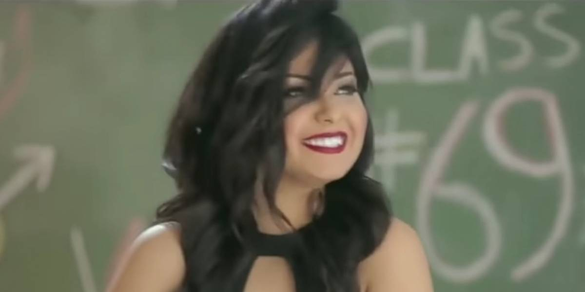 """""""Incita a la lujuria"""": Egipto condena a dos años de cárcel a cantante por videoclip"""