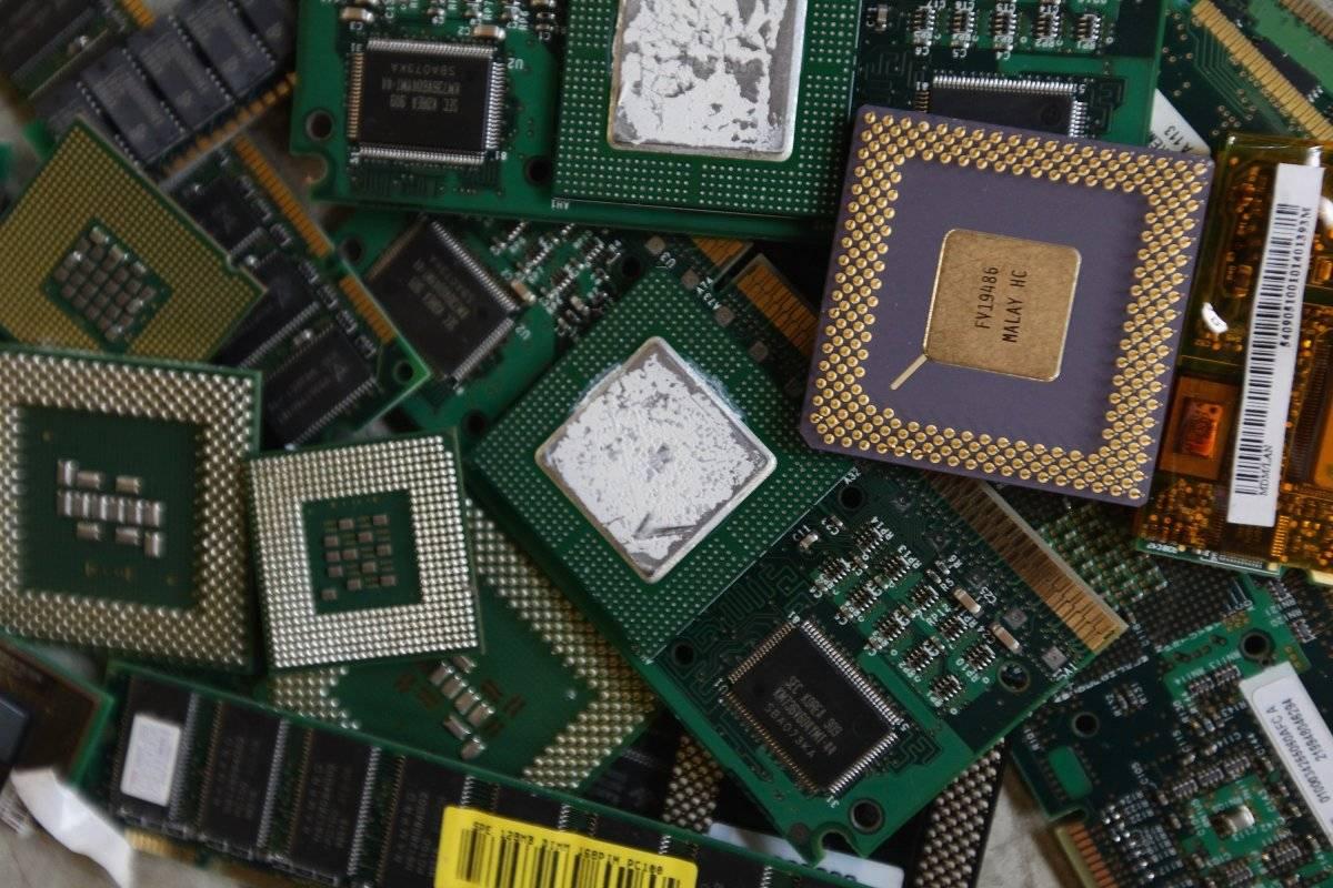 Los microchips generalmente tienen minerales como oro, plata y platino.