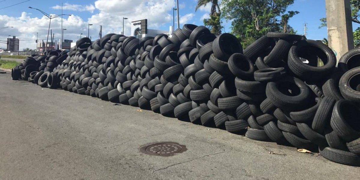 Denuncian no recogen las gomas usadas en San Juan