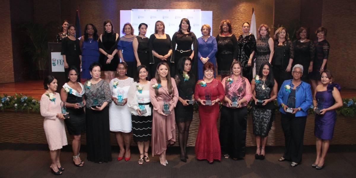 #TeVimosEn: FEM entrega premio a la Mujer Empresaria y Profesional Destacada