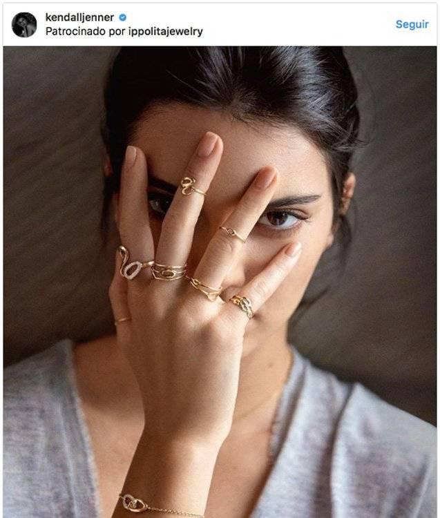 Kendall Jenner luciendo joyas de Ippolita