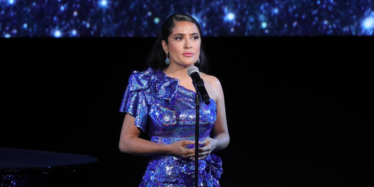 Salma Hayek diz que Clooney e Tarantino a salvaram de estupro