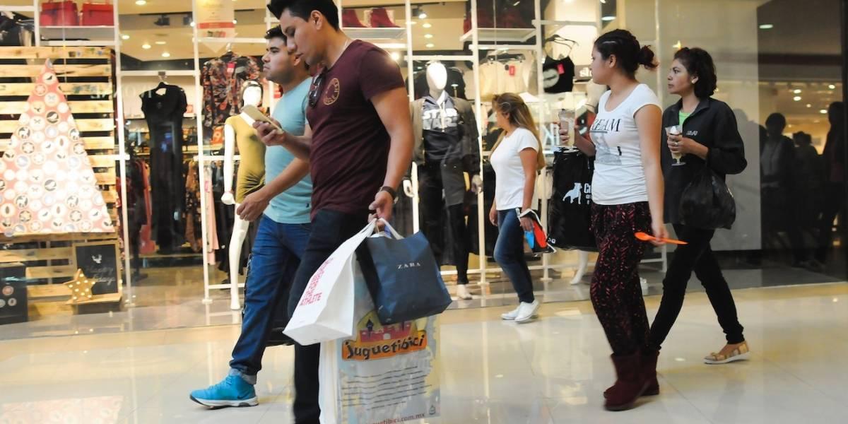 Mexicanos, 'los más gastalones' del mundo en Navidad