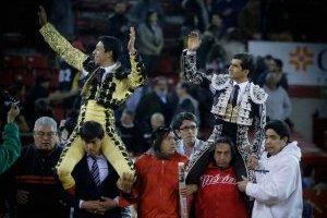 https://www.publimetro.com.mx/mx/publisport/2017/12/12/un-exito-corrida-en-la-plaza-mexico-en-pro-de-damnificados-por-sismos.html