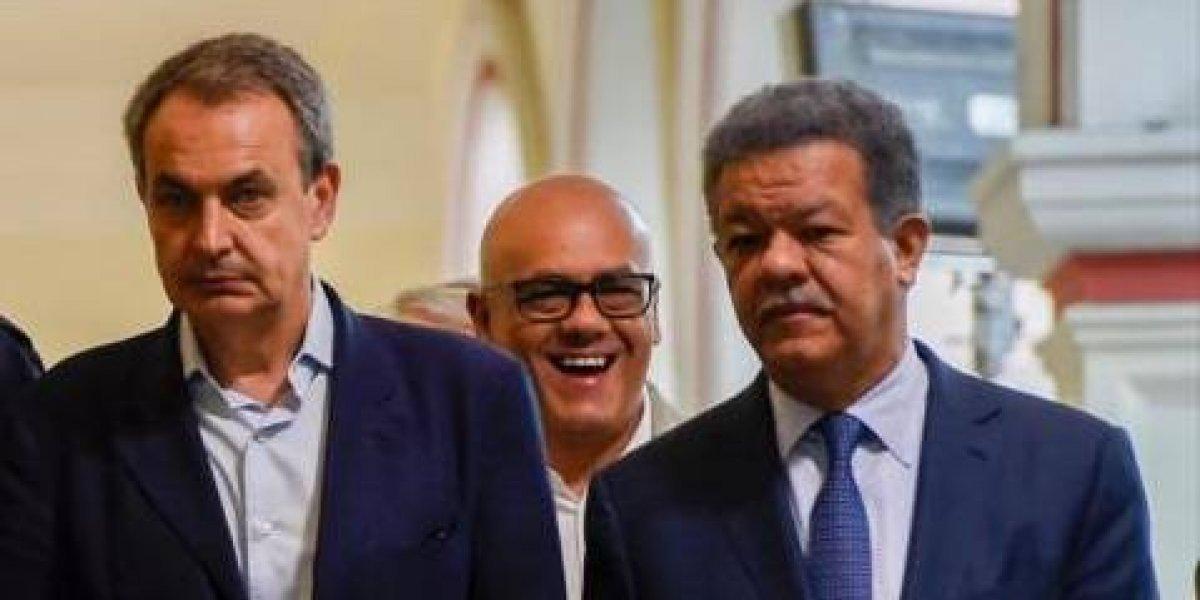 Zapatero apuesta al diálogo en Venezuela antes de viajar a RD