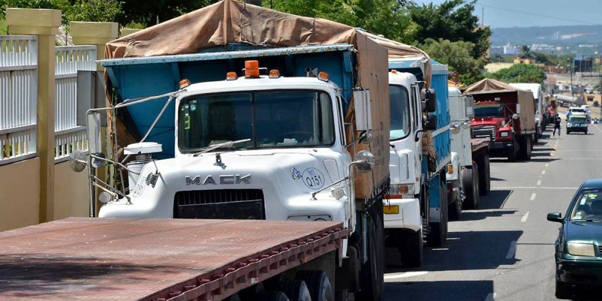 PN garantiza libre acceso de transporte de carga en el país