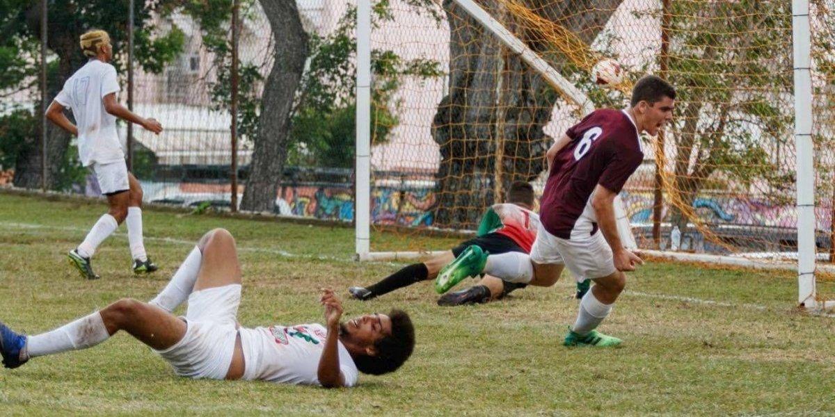 Delfines de Sagrado ganan en casa partido inaugural de fútbol
