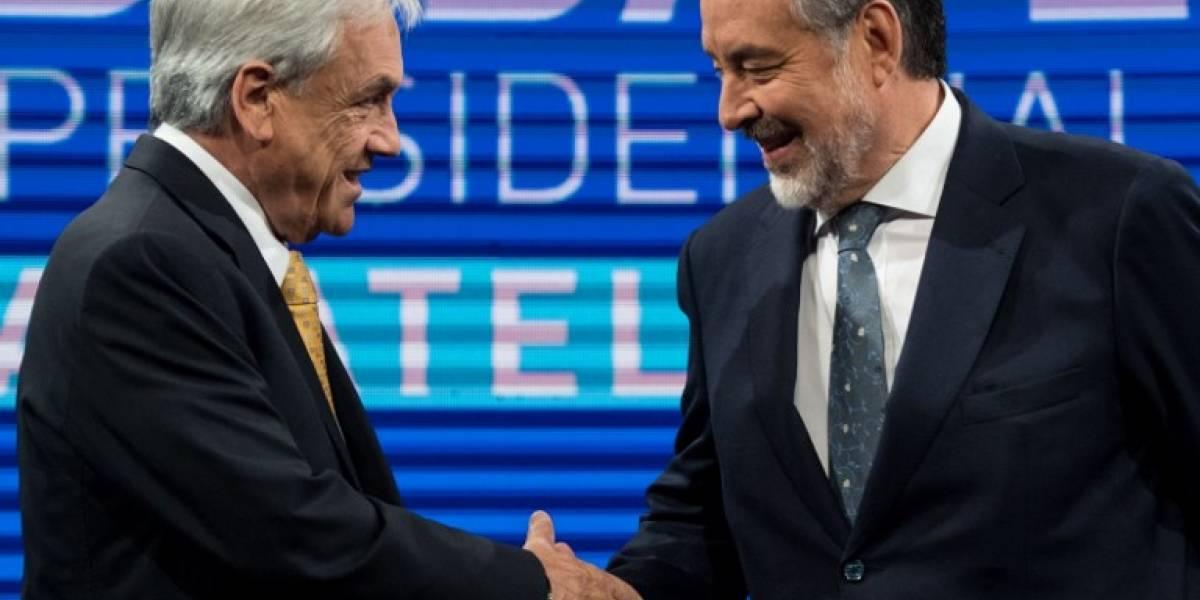 Candidatos presidenciales cierran campaña electoral en Chile