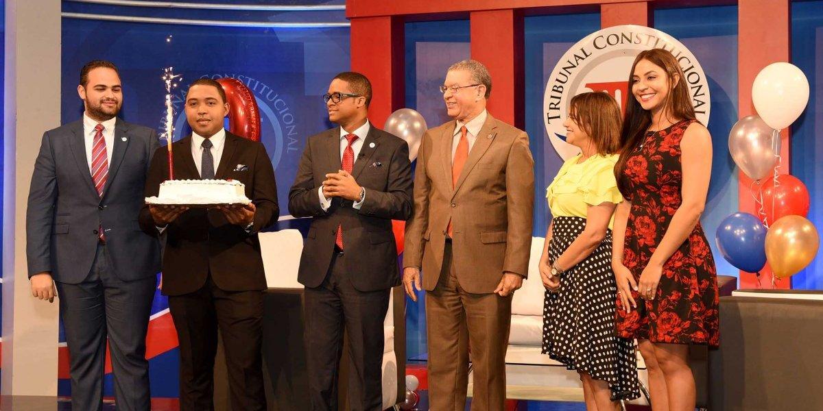 La Voz del Tribunal Constitucional celebra segundo aniversario junto a su equipo