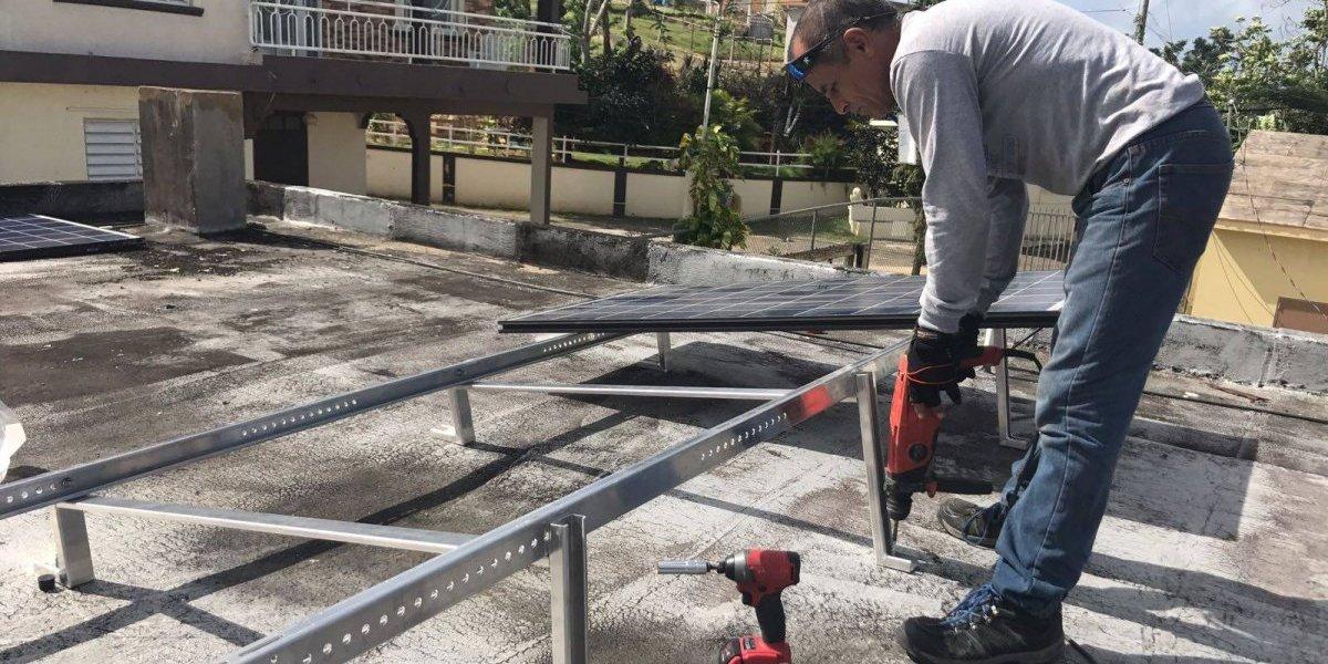 Energía solar evita cierre de escuela en el oeste