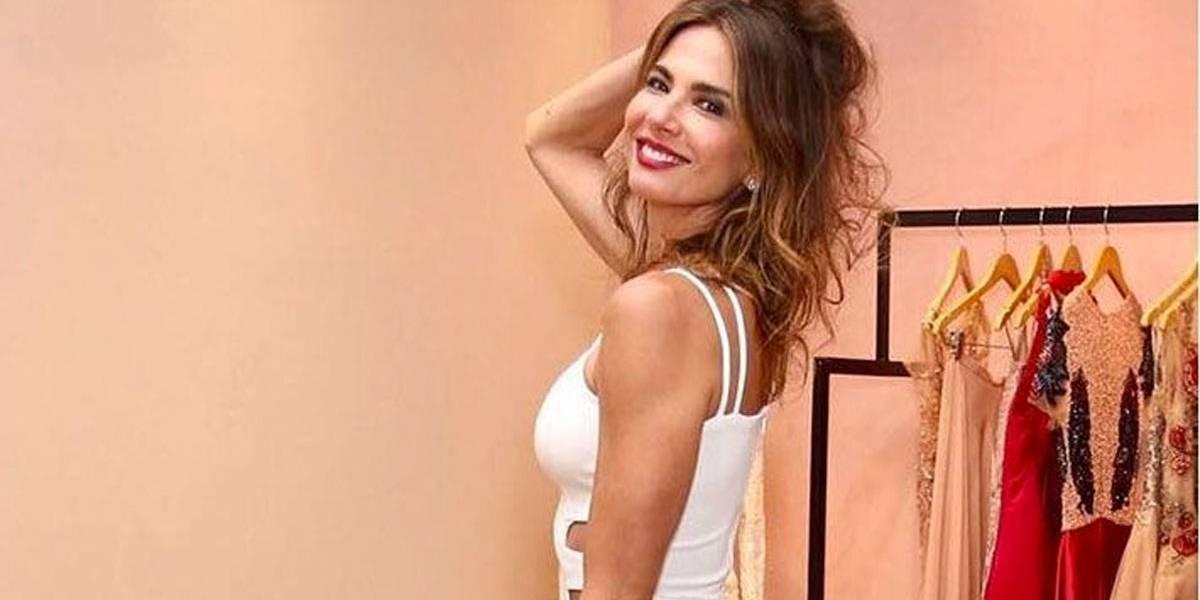 Luciana Gimenez ousa no vestido e fãs comentam: Sem calcinha
