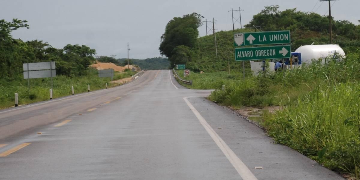 Sujeto va al baño en carretera de Chetumal y encuentra un cadáver