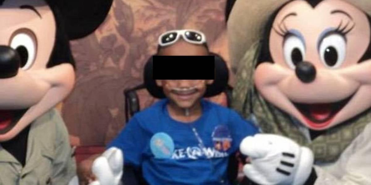 Le hicieron 13 cirugías porque su madre fingió que tenía cáncer