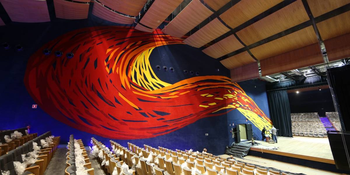 Show em tributo a Elza Soares reabre Auditório do Memorial da América Latina