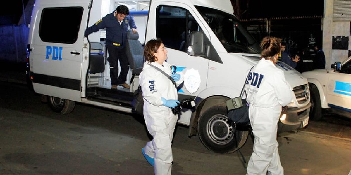 Misterioso asesinato en Cerrillos: matan de un balazo a sujeto con antecedentes que portaba casaquilla de la PDI
