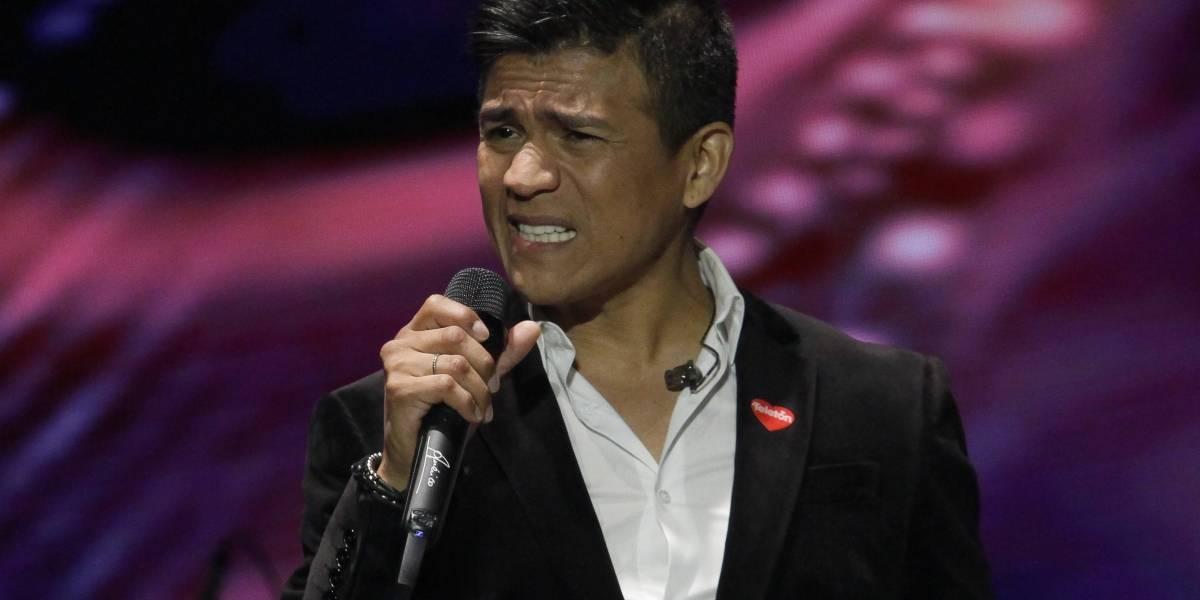 """Papá de Américo por comparación con Luisito Rey: """"Si le hubiera pegado, debería estar agradecido igual"""""""