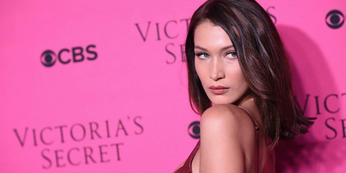 Modelo de Victoria's Secret causa polémica al posar sin ropa y bañada en comida