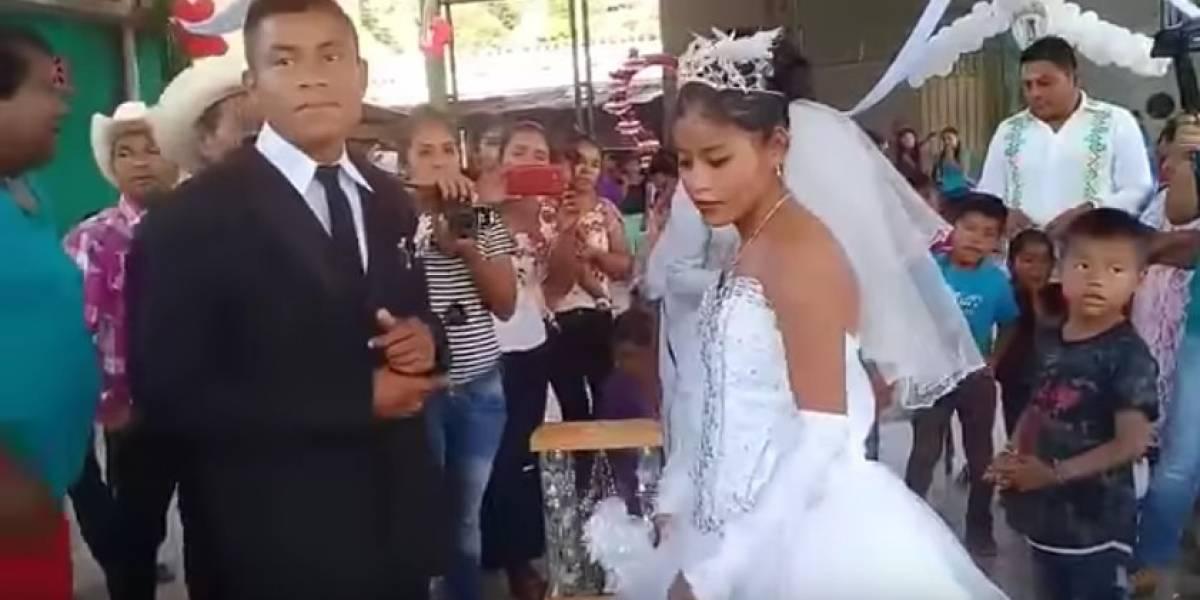 """Ni una miserable sonrisa: el video de la """"boda más triste del mundo"""" que se volvió viral"""