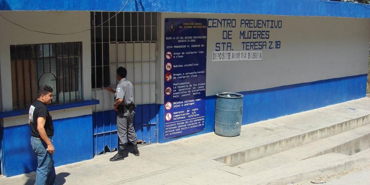 Frustran fuga de privada de libertad de la cárcel Santa Teresa