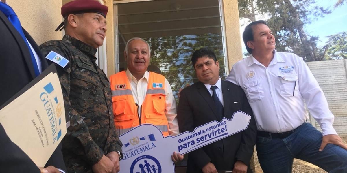 Entregan viviendas a afectados por tragedia en El Cambray