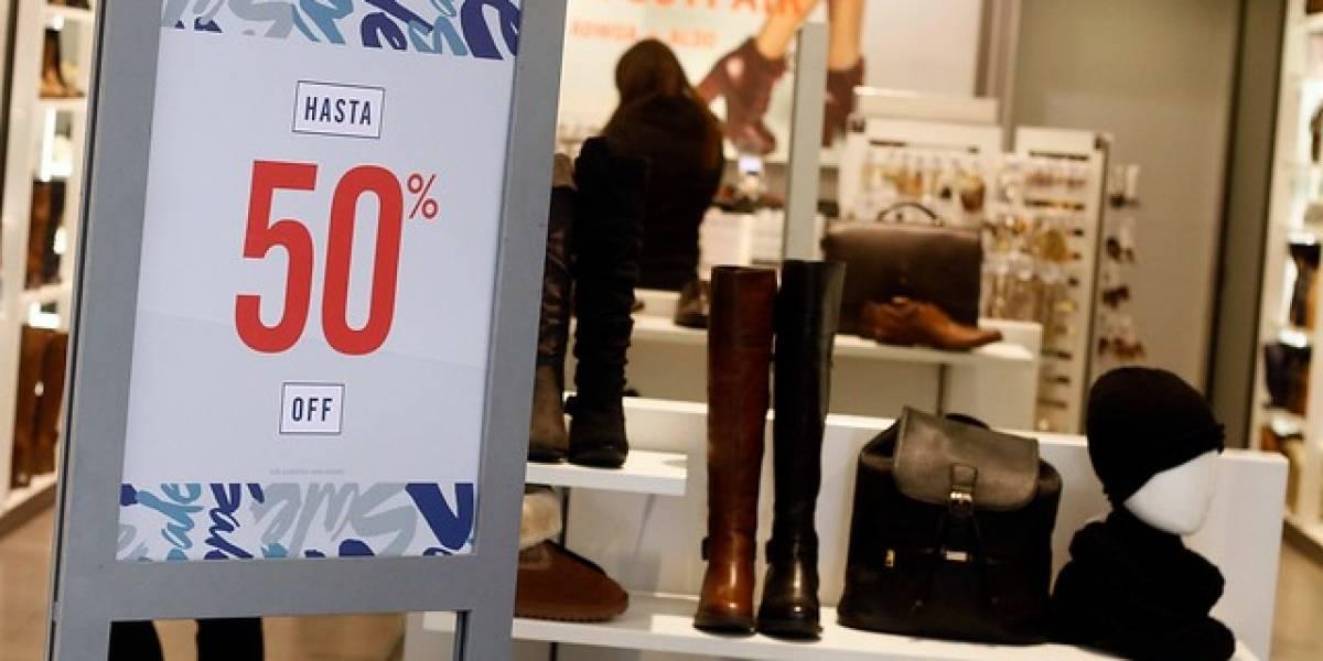 ¡Solo por hoy! Comercio del casco histórico de Santiago ofrece descuentos de hasta 50%