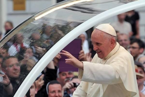 Gobierno envía proyecto que decreta feriado en Santiago por visita del Papa