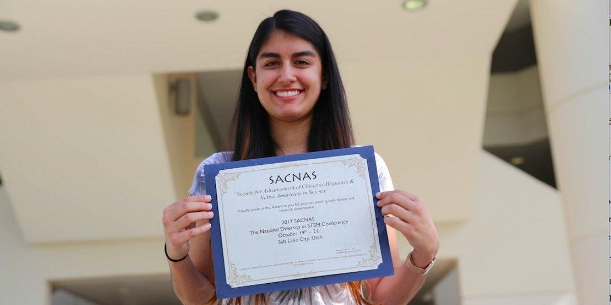 Estudiante de matemáticas obtiene premio en conferencia científica
