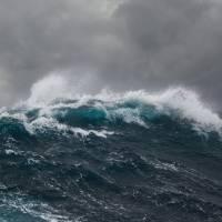 Pronostican tronadas para el oeste y sigue el riesgo de corrientes marinas para todas las playas