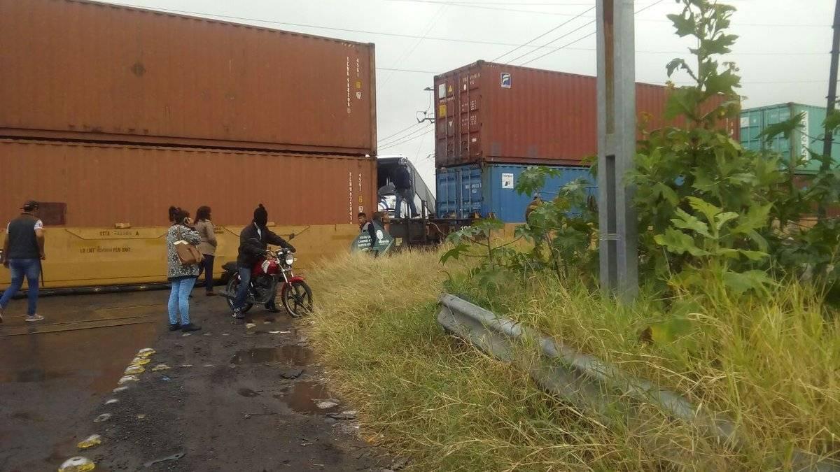 Choque entre autobús y tren deja dos muertos en Jalisco (+fotos)